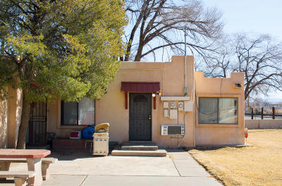 Albuquerque Multi Family Home For Sale: 1823 Arenal Road SW