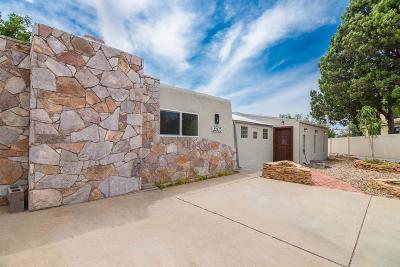 Albuquerque Single Family Home For Sale: 3505 Mary Ellen Court NE