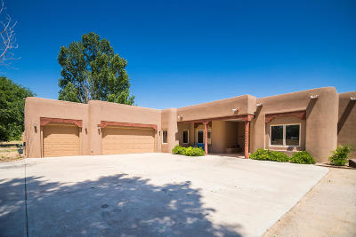 Valencia County Single Family Home For Sale: 10 Haciendas Del Valle