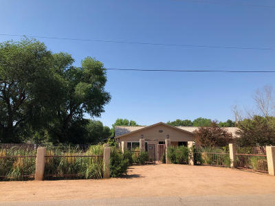 Albuquerque Single Family Home For Sale: 2210 Julie Road SW