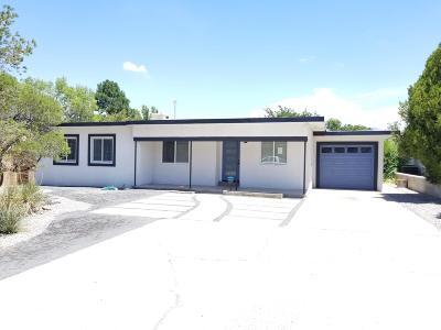Albuquerque Single Family Home For Sale: 5109 Royene Avenue NE