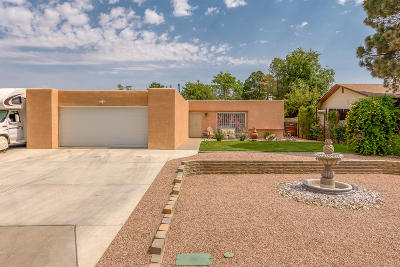 Single Family Home For Sale: 6409 Colleen Avenue NE