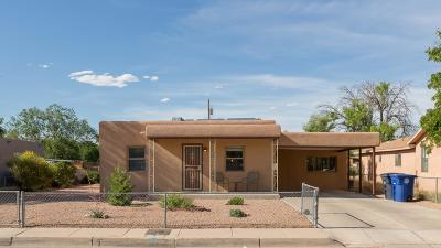 Bernalillo County Single Family Home For Sale: 825 Ponderosa Avenue NW