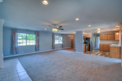 Single Family Home For Sale: 2495 Green Lane Drive
