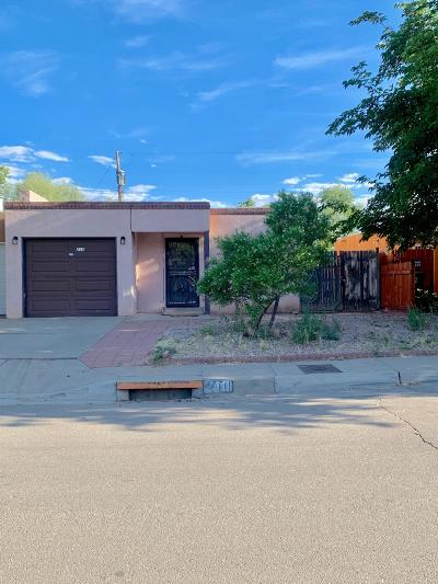 Albuquerque Single Family Home For Sale: 210 Shannon Place NW