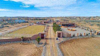 Sandoval County Single Family Home For Sale: 1 Calle Caballo