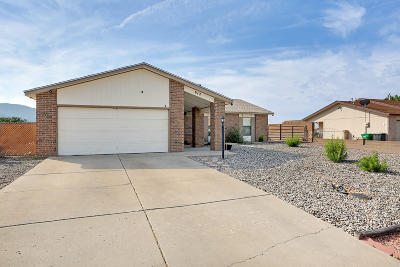 Rio Rancho Single Family Home For Sale: 612 Emerald Drive NE