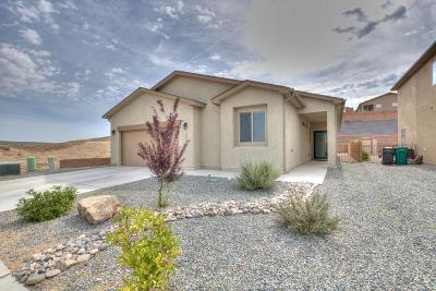 Rio Rancho Single Family Home For Sale: 2064 Solara Loop NE