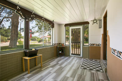 Albuquerque Single Family Home For Sale: 517 Lafayette Place NE