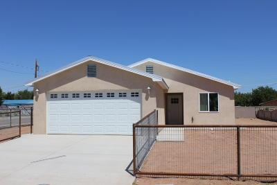 Valencia County Single Family Home For Sale: 1022 Chavez Avenue