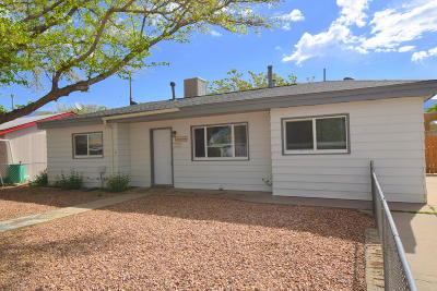 Albuquerque Single Family Home For Sale: 2408 Martha Street NE