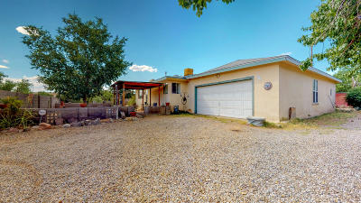 Corrales Single Family Home For Sale: 598 Camino Los Milagros