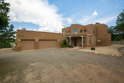 Tijeras Single Family Home For Sale: 10 Breckenridge Court