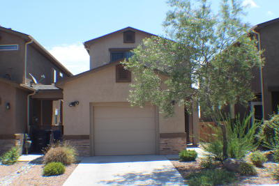 Bernalillo County Single Family Home For Sale: 3160 Feather Edge Street SW