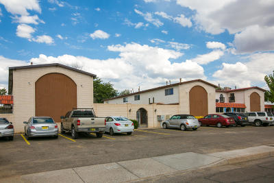 Albuquerque Multi Family Home For Sale: 804 Ortiz Drive SE
