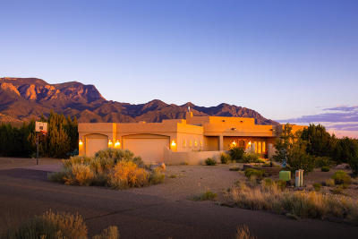Placitas Single Family Home For Sale: 7 Whispering Winds Trail
