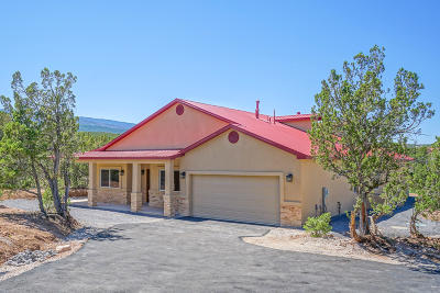 Tijeras, Cedar Crest, Sandia Park, Edgewood, Moriarty, Stanley Single Family Home For Sale: 6 Nambe Court