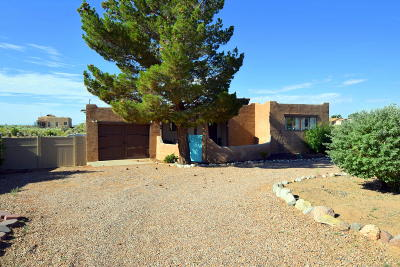 Rio Rancho Single Family Home For Sale: 608 10th Avenue NW