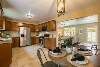 Los Ranchos Single Family Home For Sale: 242 Osuna Road NW