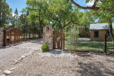 Sandoval County Single Family Home For Sale: 700 Valverde Road