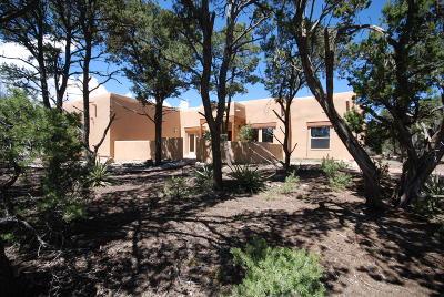 Tijeras Single Family Home For Sale: 17 Cresta Vista Court