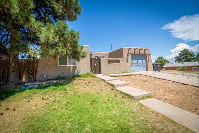 Albuquerque Single Family Home For Sale: 5701 Alegria Road NW