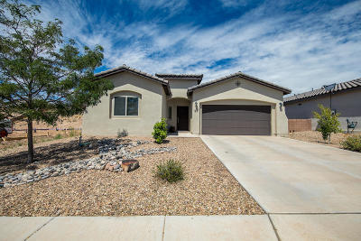 Valencia County Single Family Home For Sale: 1831 Camino Corona SW