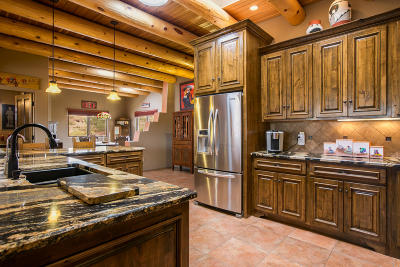 Placitas Single Family Home For Sale: 32 Petroglyph Trail