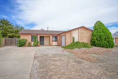 Sandoval County Single Family Home For Sale: 616 Sunflower Drive SW