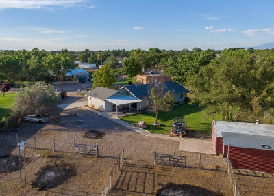 Valencia County Single Family Home For Sale: 14 Shady Lane
