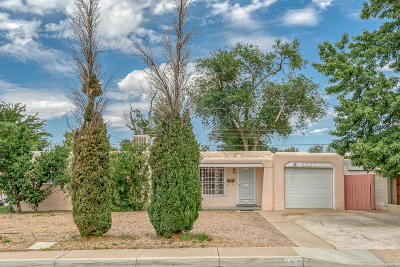 Albuquerque Single Family Home For Sale: 8027 Aspen Avenue NE