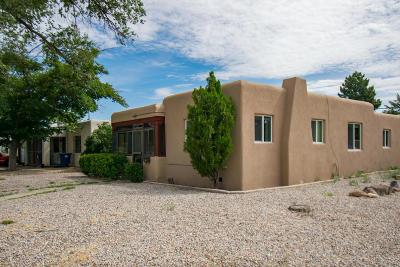 Albuquerque NM Single Family Home For Sale: $165,000
