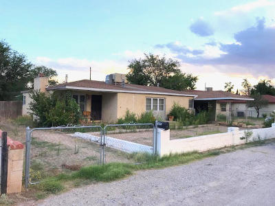 Bernalillo County Single Family Home For Sale: 1550 Hooper Road SW