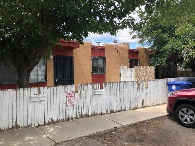 Bernalillo County Multi Family Home For Sale: 233 Alcazar Street NE