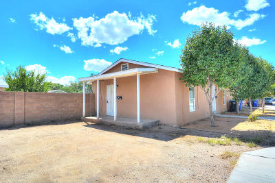 Albuquerque NM Multi Family Home For Sale: $205,000