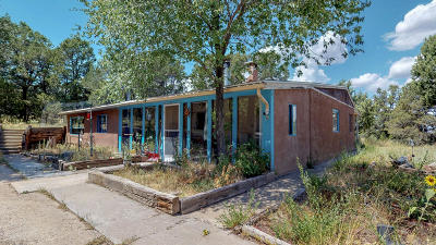 Tijeras Single Family Home For Sale: 233 & 231 New Mexico 217