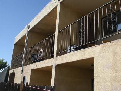 Albuquerque Multi Family Home For Sale: 208 63rd Street NW