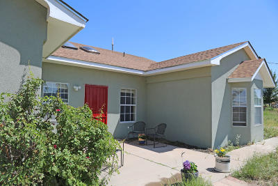 Albuquerque Single Family Home For Sale: 4308 Valley Gardens Drive SW