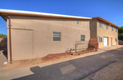 Albuquerque Multi Family Home For Sale: 5304 Summer Avenue NE