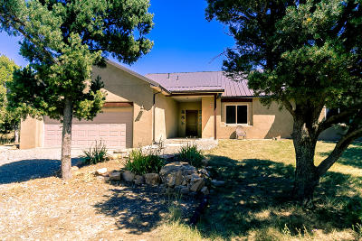 Tijeras Single Family Home For Sale: 8 Holiday Drive