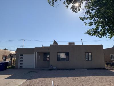 Albuquerque Single Family Home For Sale: 1208 Truman Street SE