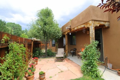 Taos Single Family Home Active/Under Contract: 107 Roman Court