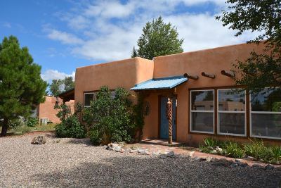 Taos Single Family Home Active/Under Contract: 345 Monte Vista Road