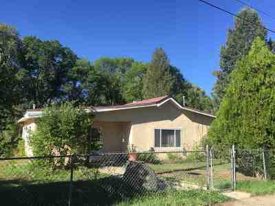 Taos Single Family Home Active/Under Contract: 208 Charlotte Lane ( Tract A)
