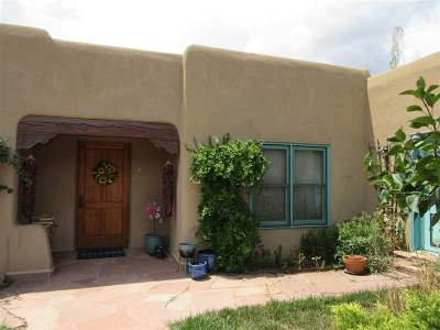 Taos County Single Family Home For Sale: 4 Cottonwood