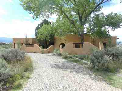 Taos County Single Family Home For Sale: 18 Eototo