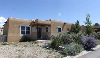 Single Family Home Active/Under Contract: 1375 Benny Lane
