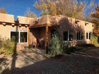 Taos Single Family Home For Sale: 1022 Witt Road