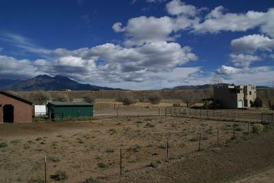 Taos County Single Family Home For Sale: 247-D Lower Las Colonias Rd.