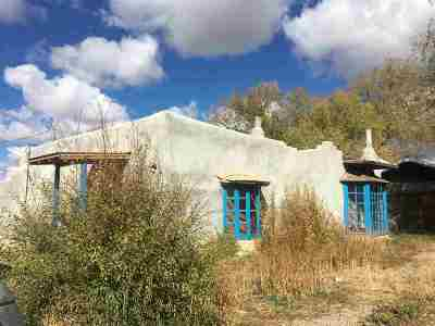 Taos Single Family Home For Sale: 825 Witt Road